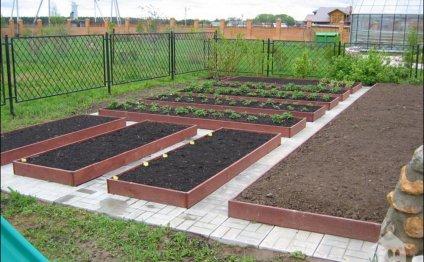 как украсить огород своими